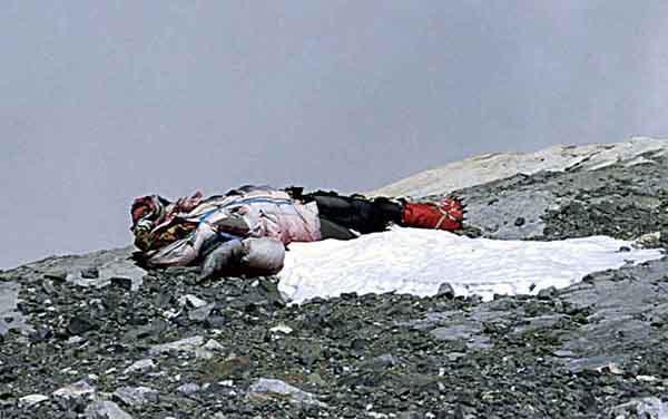 фото трупов эверест