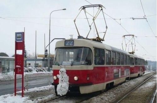 snegovik_i_tramvai