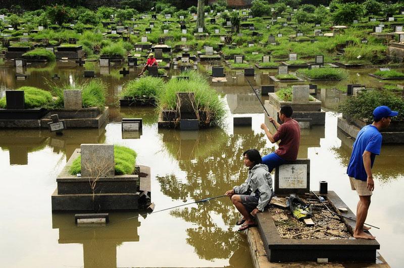 рыбалка-кладбище-793370