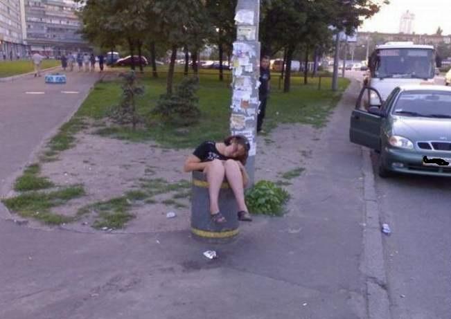 1319391653_1318824169_drunk_people_11