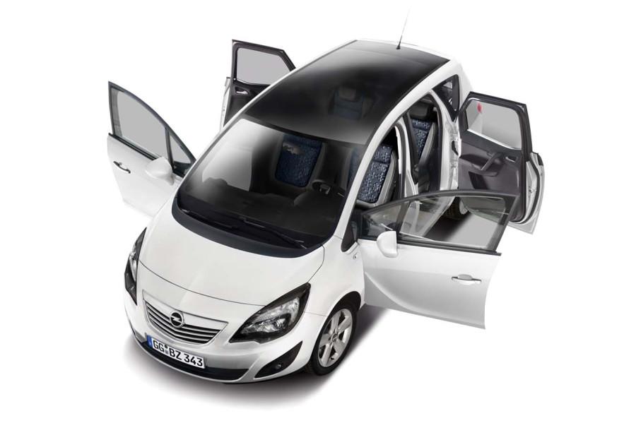 Opel-Meriva-Black-and-White-Edition-1