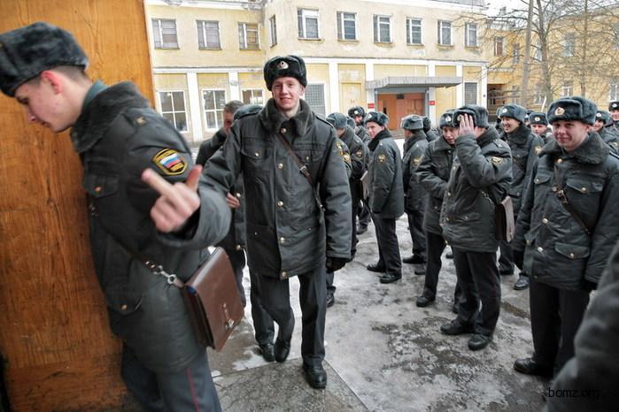 385375-2010.11.14-07.49.27-bomz.org-lol__prikol_russkie_mentiy