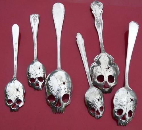 skull-spoon-500x458