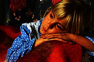 profundaj pensoj de knabino (a girl's profound thoughts)