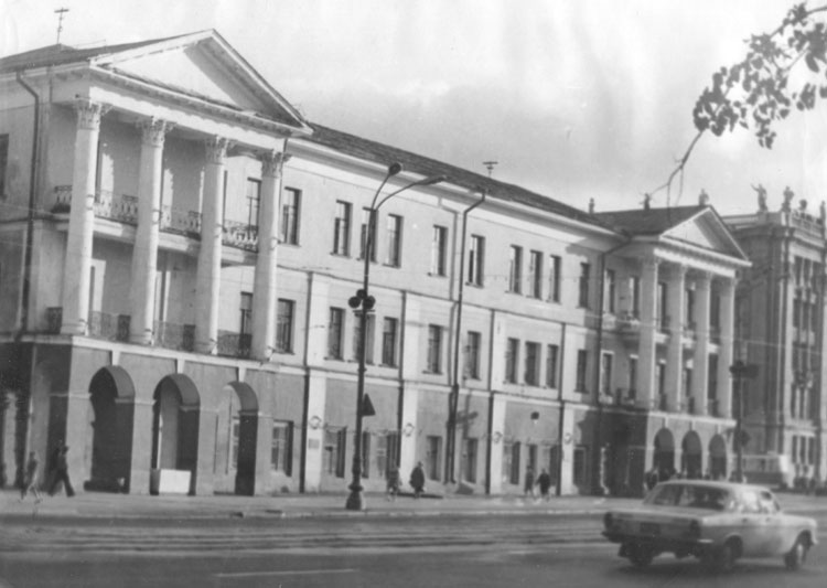 1975-22