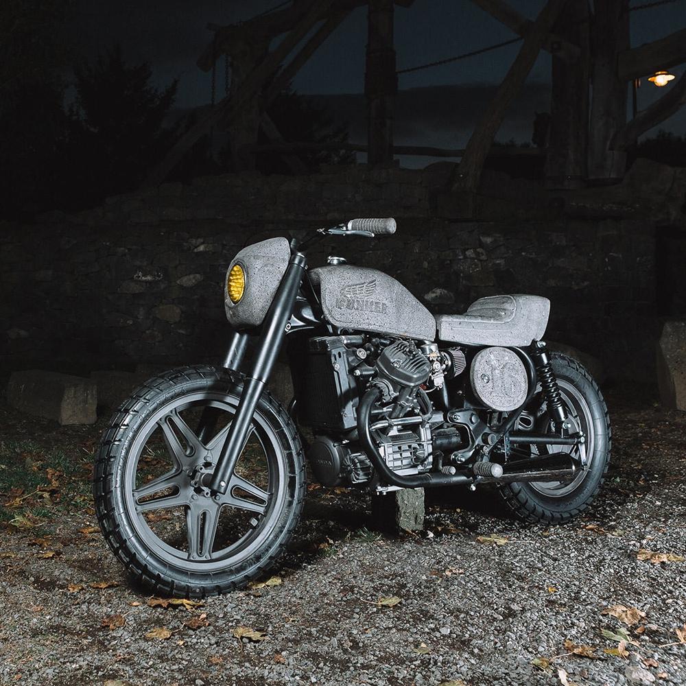 Эксклюзивный мотоцикл, которого нет ни у кого- Honda из камня