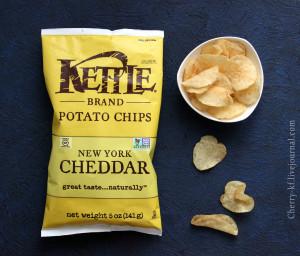Kettle Foods, Картофельные чипсы, New York Cheddar отзывы.jpg