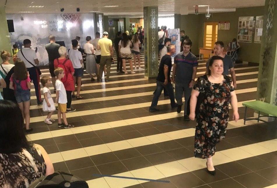 В Минске голосуют ногами, но итоги выборов предрешены