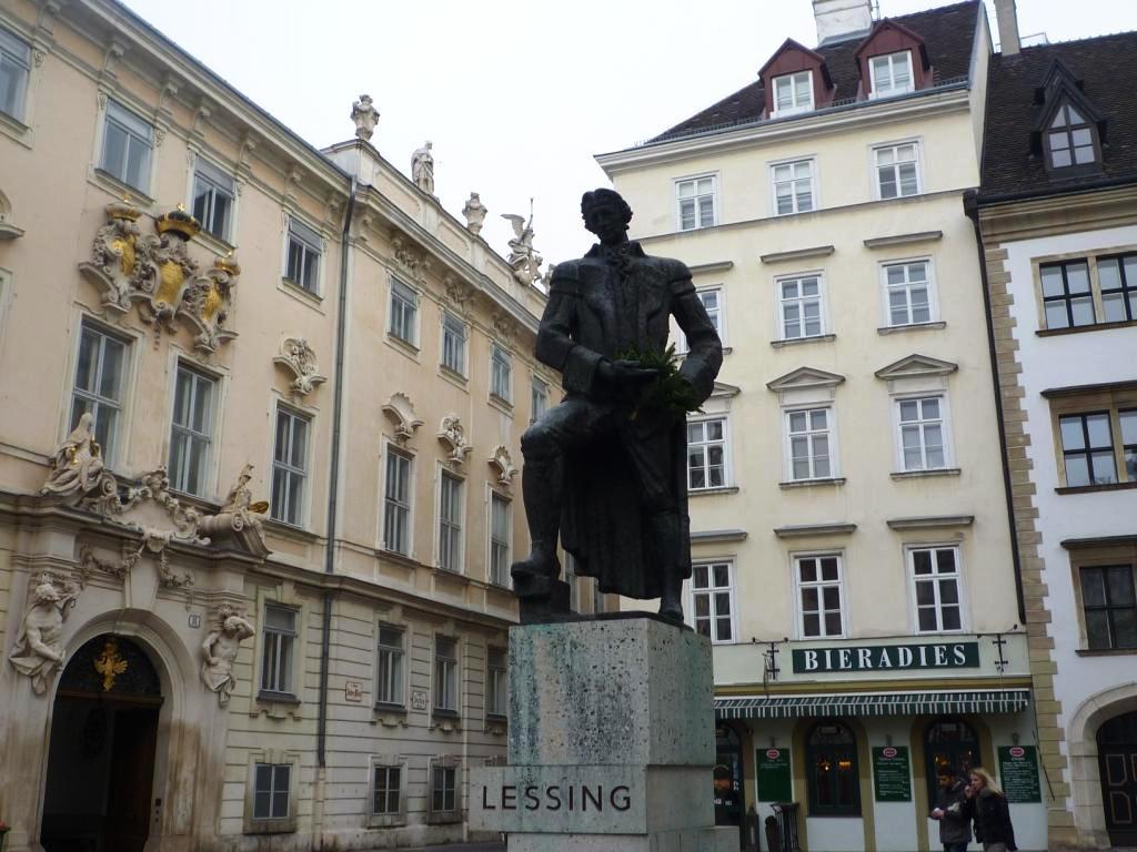 10 - Lessing