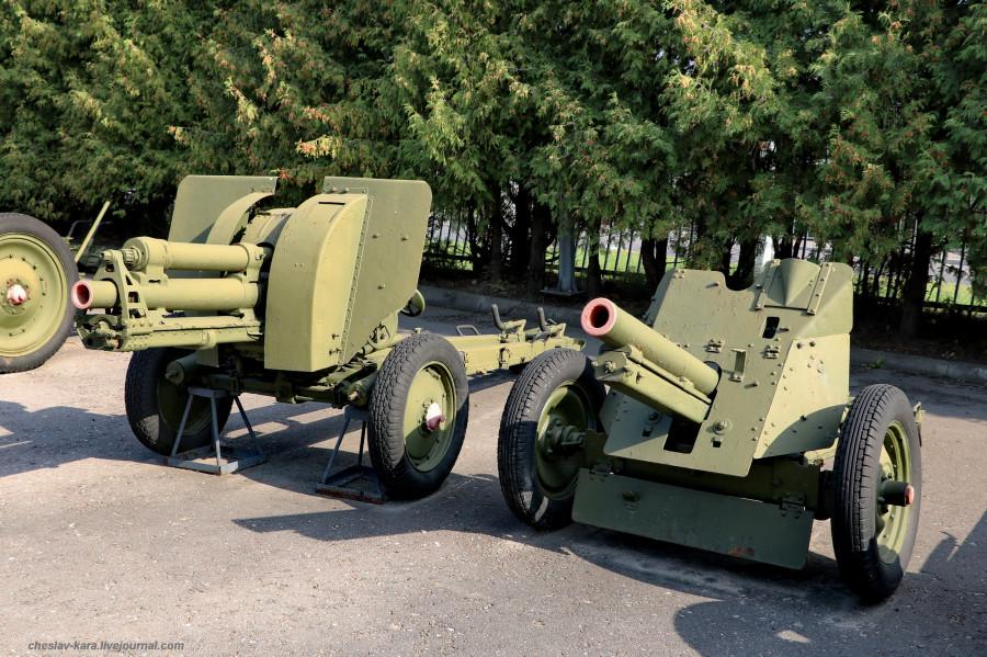 110- 76 мм полковая обр1943г и обр 1939г Ф-24 _10 (Поклонная гора, 2019).JPG
