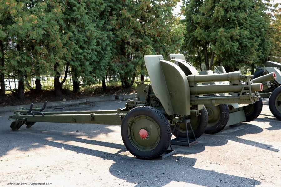112- 76 мм полковая обр1939г Ф-24, опыт _380 (Поклонная гора, 2019).JPG