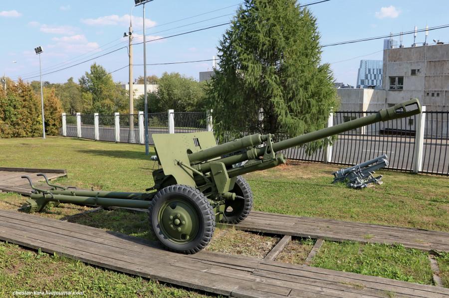 122- 76 мм ЗиС-3 _70 (Поклонная гора, 2019).JPG