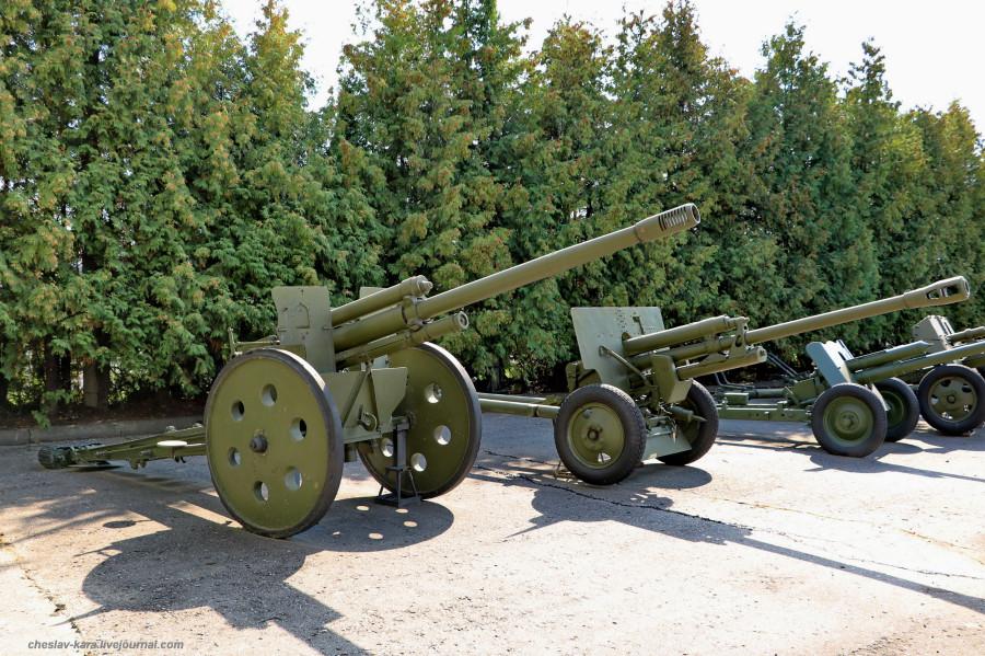 124- 76 мм Ф-20, опыт _40 (Поклонная гора, 2019).JPG