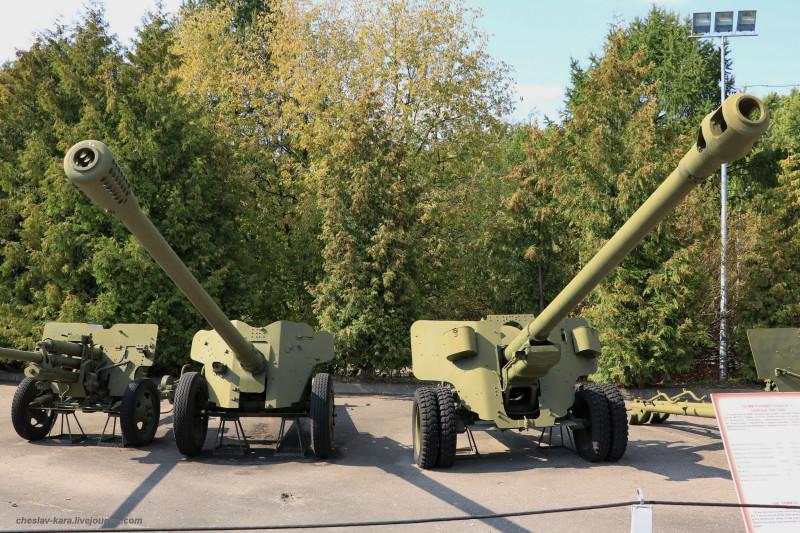 164- 85 мм Д-48 и 100 мм БС-3 _30 (Поклонная гора, 2019).JPG
