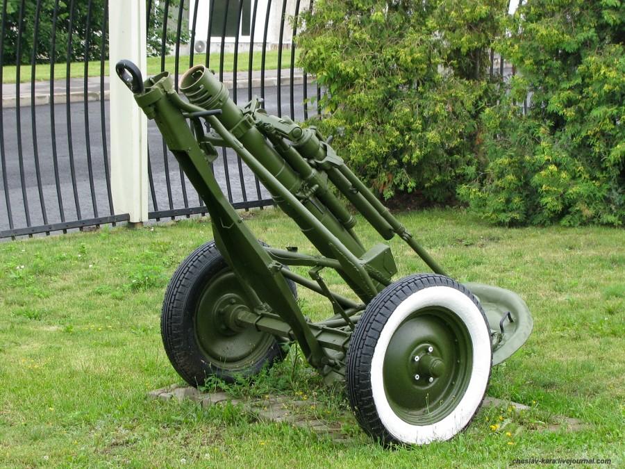 210- м 120 мм ПМ-120 (Поклонная гора).JPG