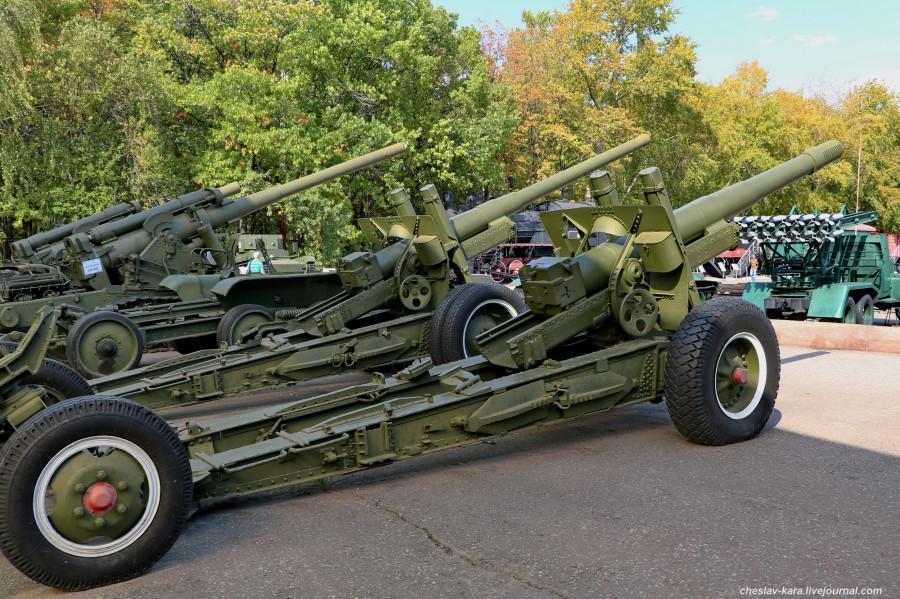304- 152 мм МЛ-20 и 122 мм А-12_60 (Поклонная гора, 2019).JPG