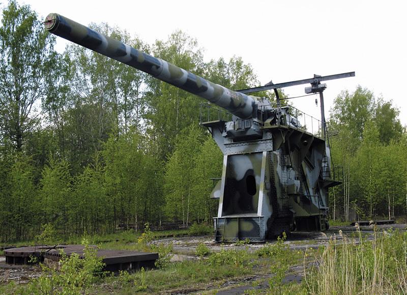 305 мм 52клб на Ржевке.jpg
