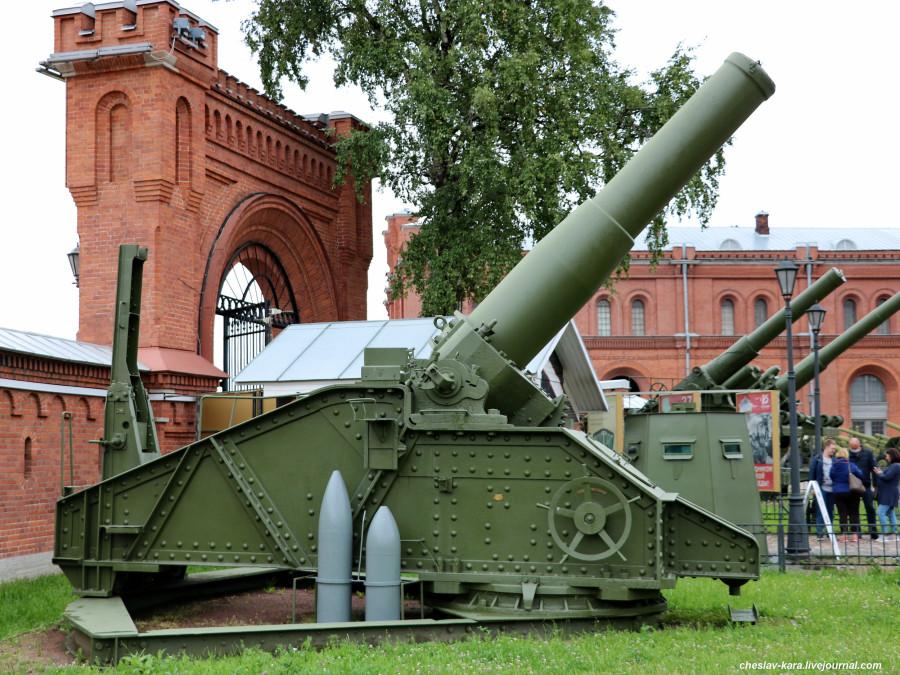 305 мм гаубица обр 1915г _700 (Арт музей).JPG