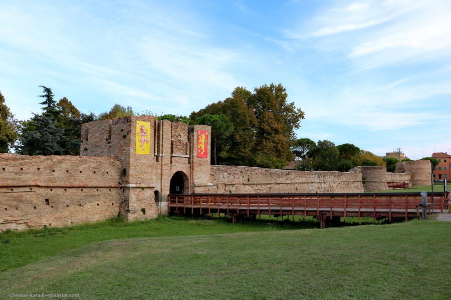 34 60 Равенна _3960 крепость Рокка Бранкалеоне.JPG
