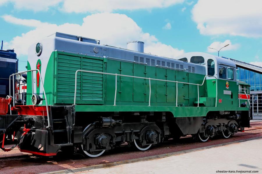 тепловоз ТГМ3-021 (ЖД музей, СПб) _100 1960г.JPG