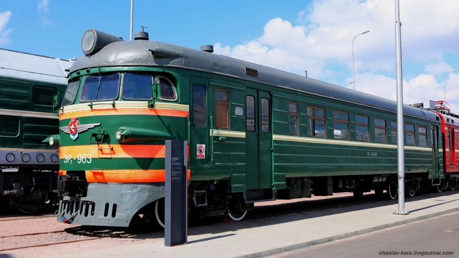 ЭР2-963 (ЖД музей, СПб) _100.JPG
