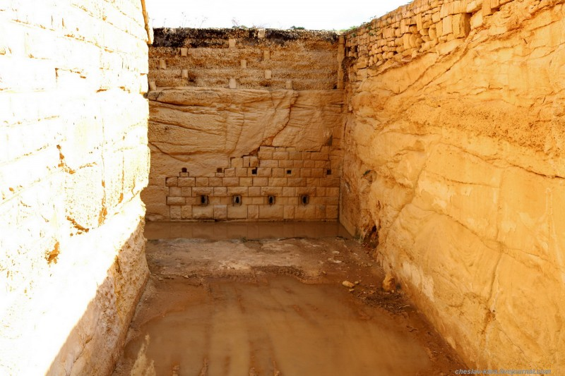 14 125 Fort Rinella _240.JPG