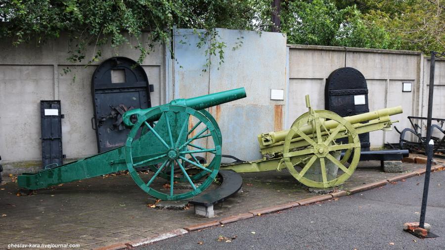 37 87 мм пушка обр 1867г и 75 мм тип38 японская бат Безымянная (Влад-к) _10.JPG