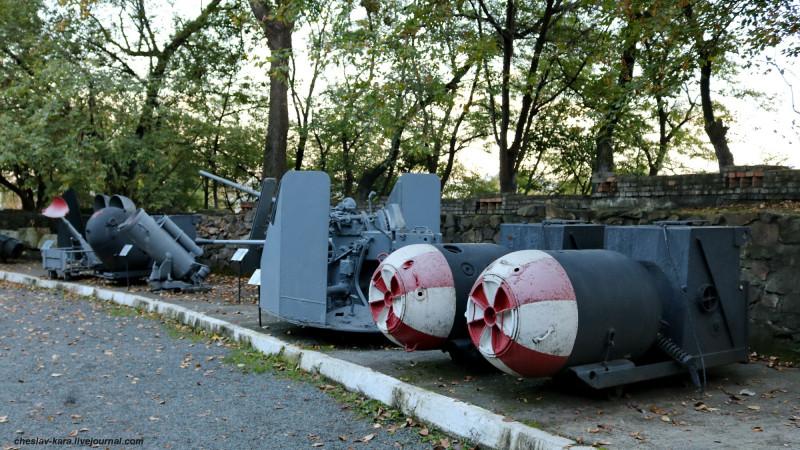 96 мины и БМБ (музей ТОФ) _5700.JPG