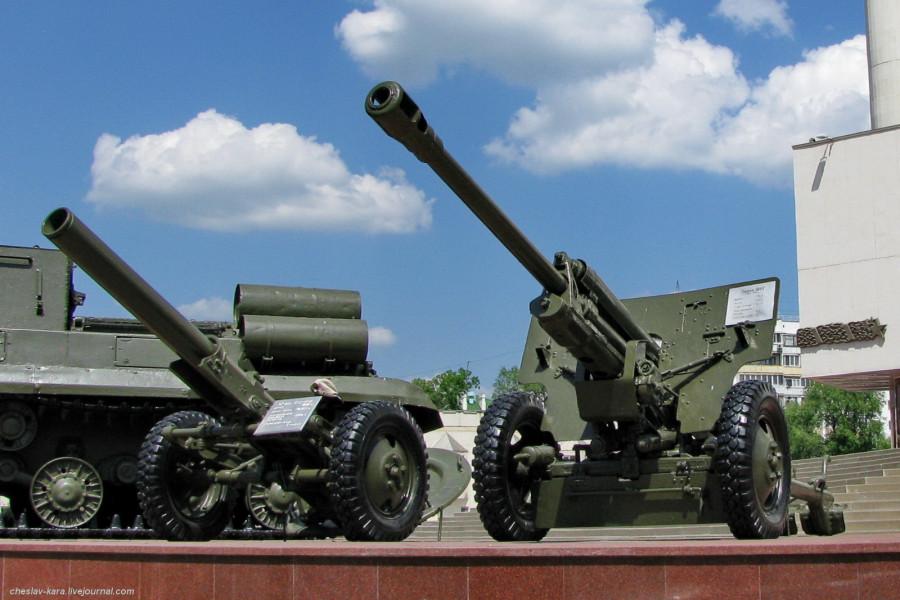 20 76 мм ЗиС-3 и 160 мм миномет Белгород - 050.jpg