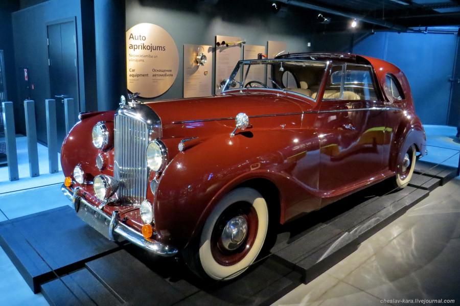 890 Bentley MkVI (Рига, Мотормузей).JPG