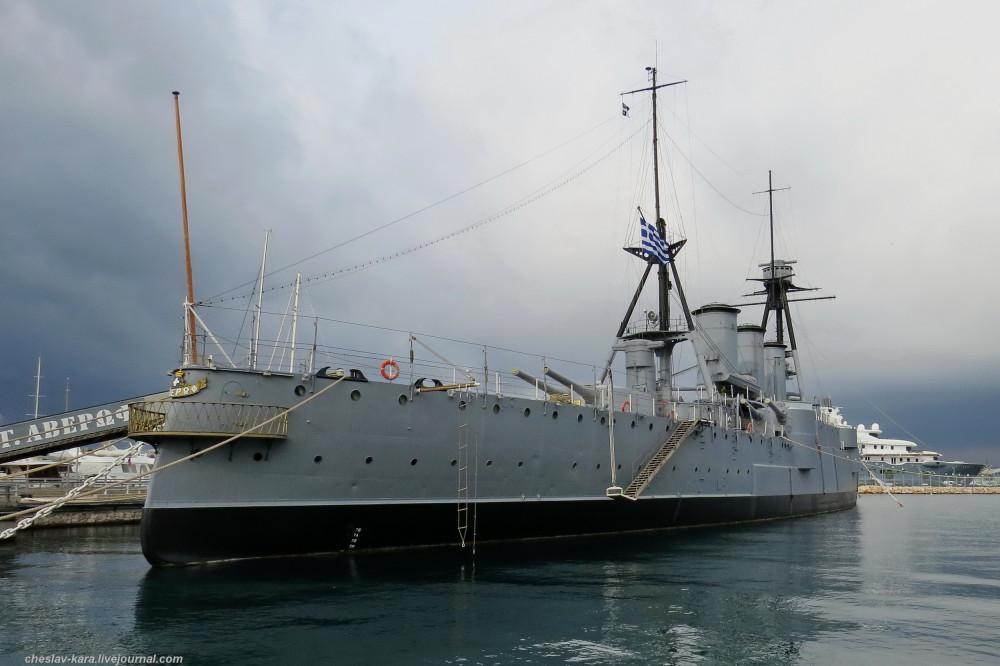 """Легенда греческого флота крейсер """"Г.Авероф"""" и  борец с """"черными полковниками"""" эсминец """"Velos"""""""