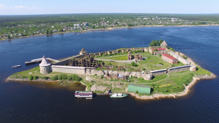 2 крепость Орешек (Шлиссельбург) автор Solundir.jpg