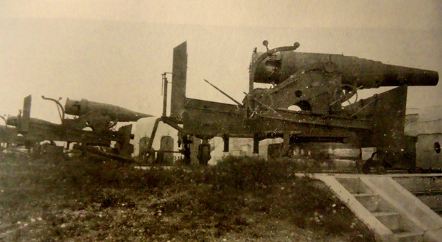 8 9-dm-pushka-obr_1867-na-lafete-Durlyahera_-Foto-iz-kollekcii-Vladimira-Andreeva.jpg