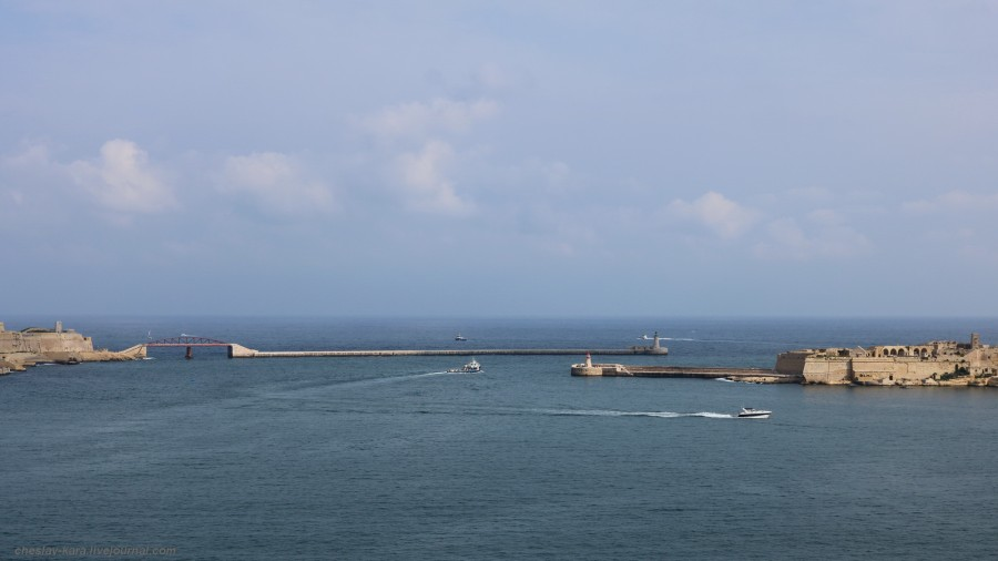 40 102 Grand Harbour _2300.JPG