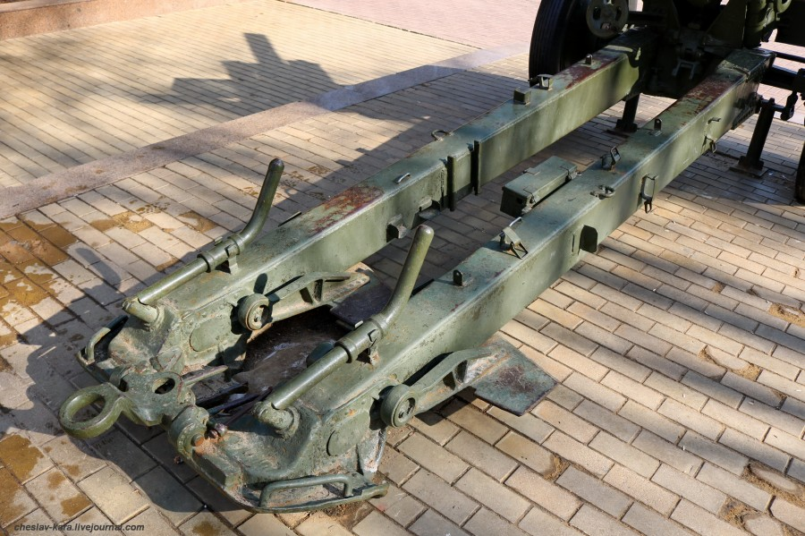 10 122 мм М-30 (Климовск, пл50лет Окт) _290.JPG