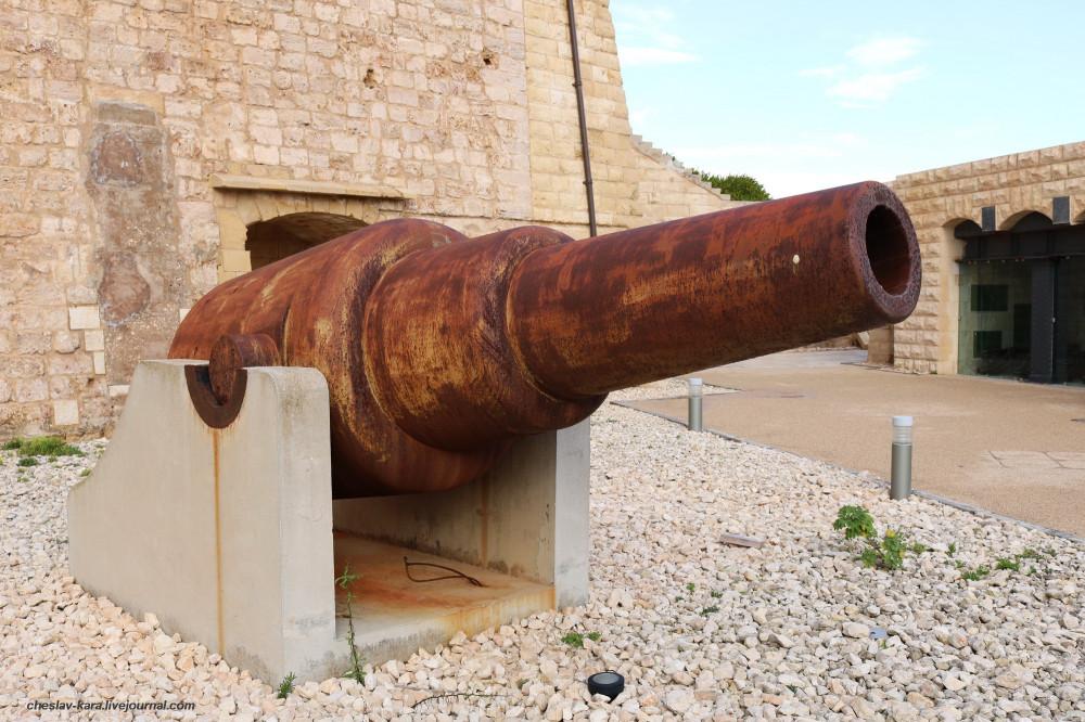 0 112 форт Св Эльма _6800 RML 11-inch 25-ton gun Mark II.JPG