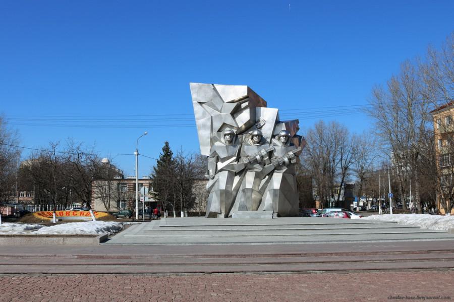 Подольск, памятник Курсантам _100.JPG