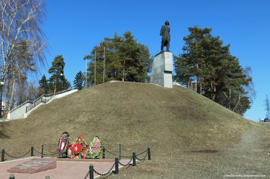 Кузнечики, памятник Талалихину _122.jpg