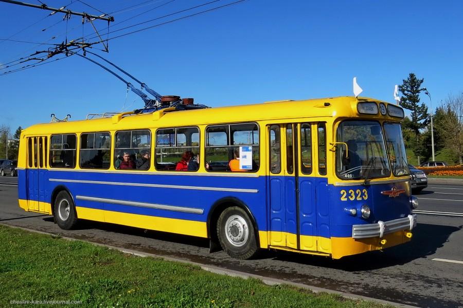 50 ЗиУ-5 Ретротроллейбус _1100 (ЗиУ-5 1961г).JPG