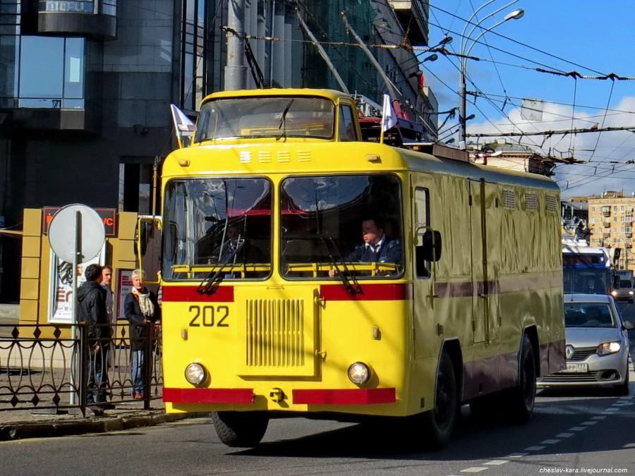 74 КТГ Ретротроллейбус _110 КТГ.JPG