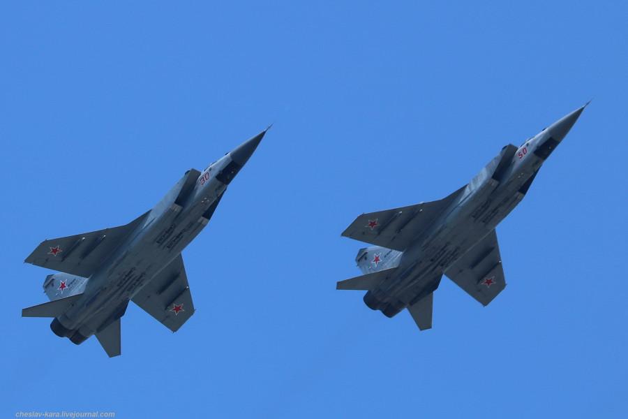 Парад Победы 2019- авиация _1052 МиГ-31БМ.jpg