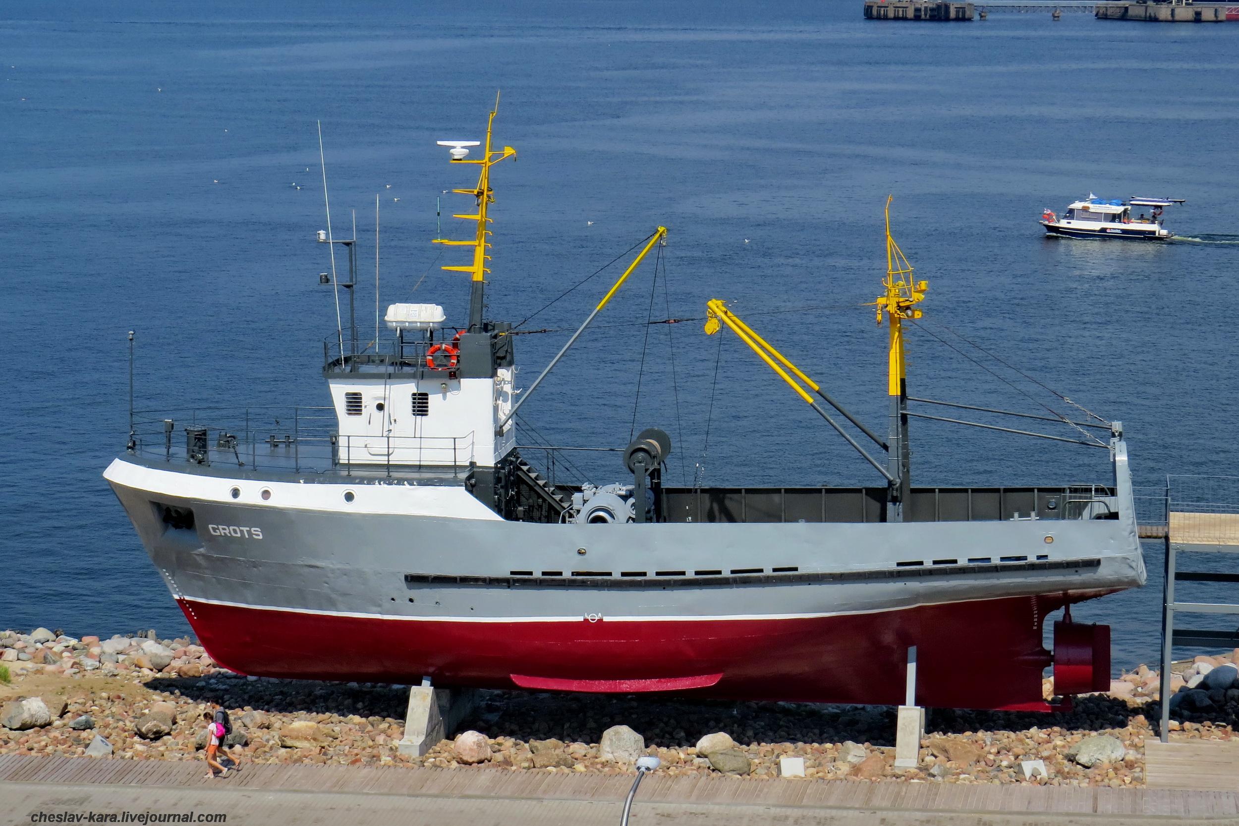 предлагаю использовать разновидность рыболовных судов в картинках меня вот так