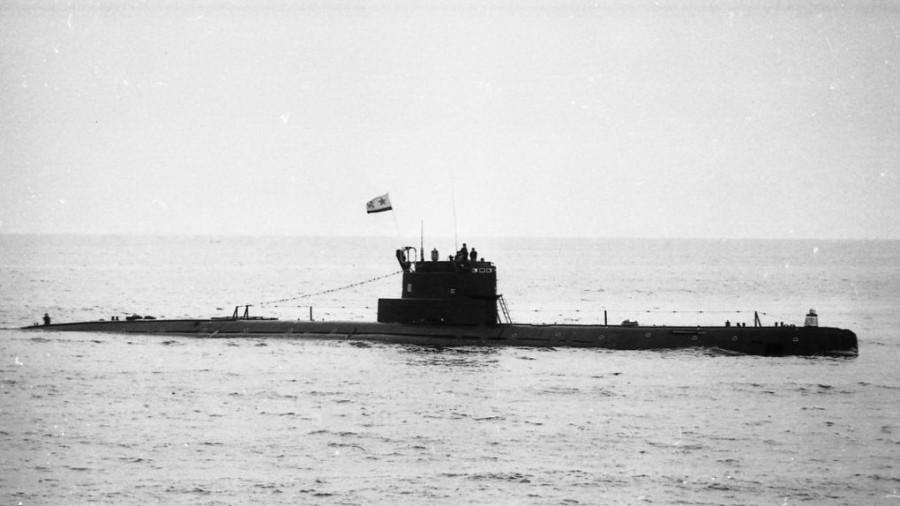 ПЛ пр613 в море.jpg
