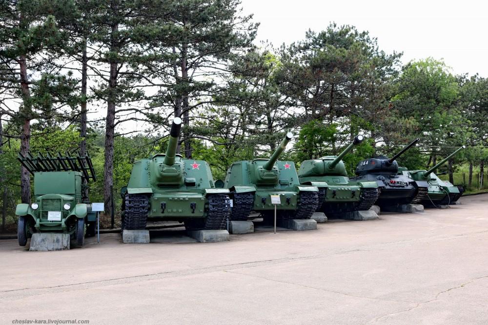 Сухопутная военная техника на Сапун-горе