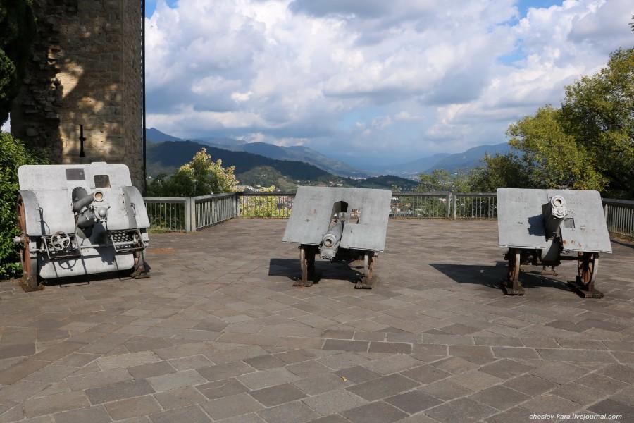 0 пушки в крепости Rocca, Бергамо _60.JPG