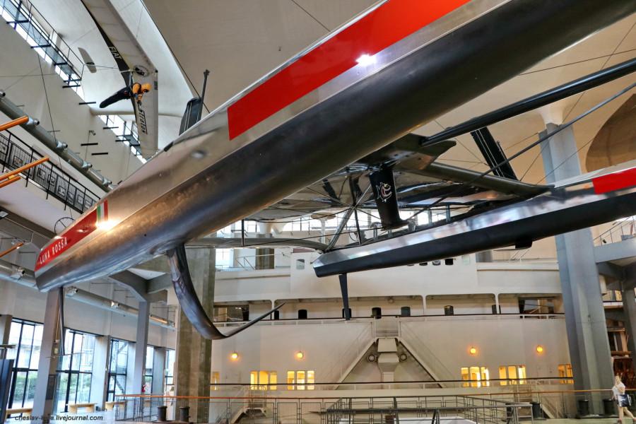 34 катамаран Luna Rossa (морской зал музея техники, Милан) _10.JPG