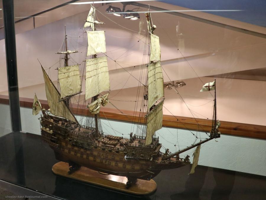 42 модель - 104-пуш ЛК Sovereign of the Seas, Англия 1637 (морской зал музея техники, Милан) _40.JPG