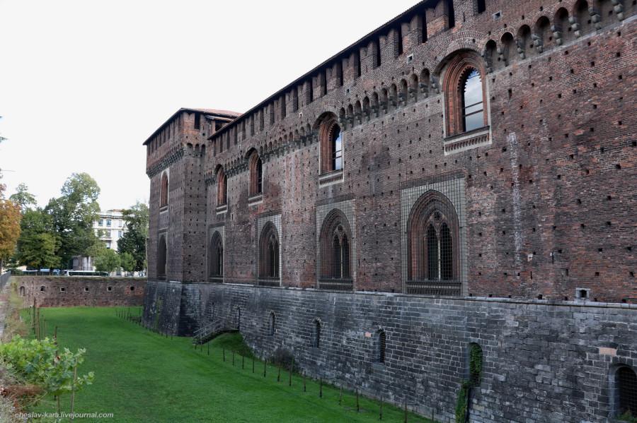 14 12 Милан, Castello Sforzesco _650.JPG