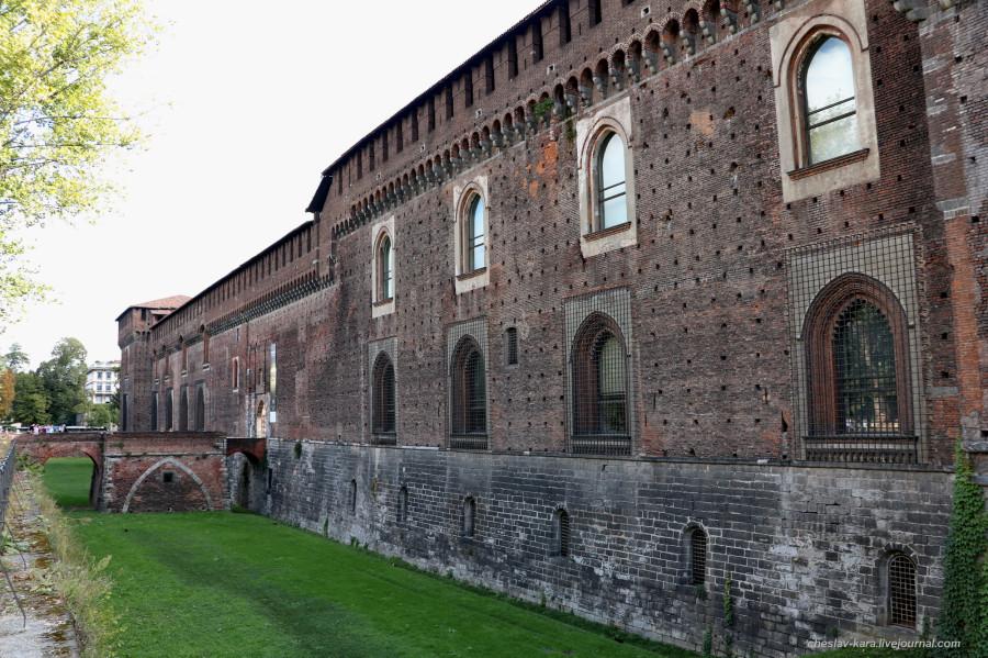 16 12 Милан, Castello Sforzesco _710.JPG