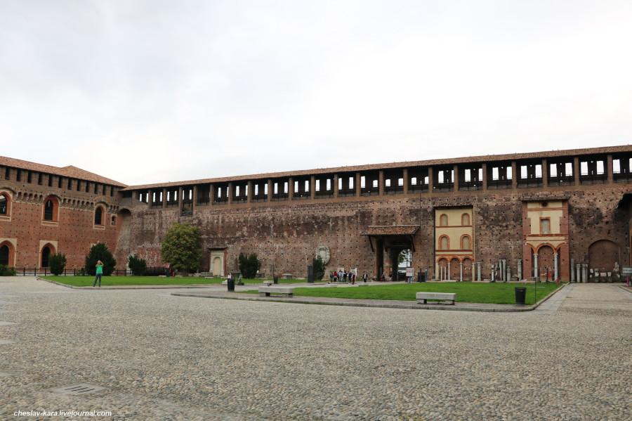 24 12 Милан, Castello Sforzesco _210.JPG